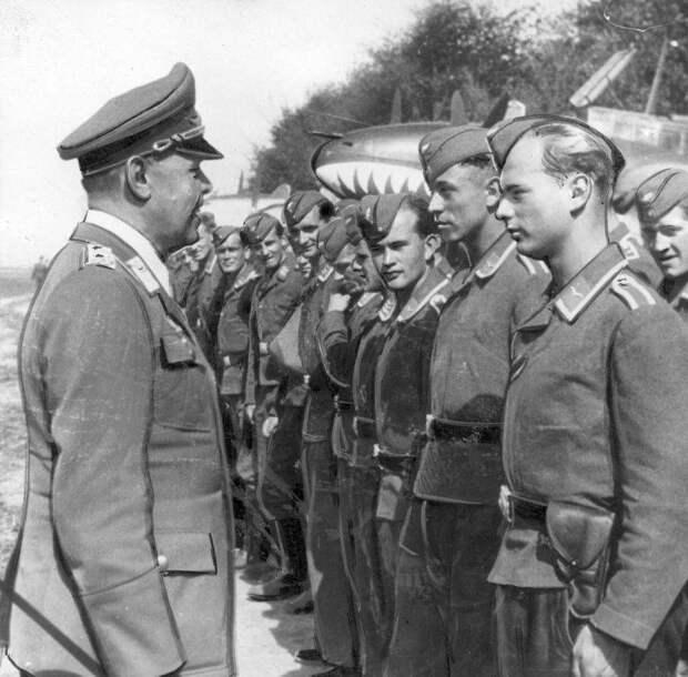 Почему Гитлер не стал добивать Британию