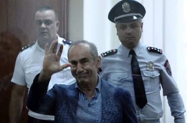 Армения: о пользе политических игр и «бархатных революций»