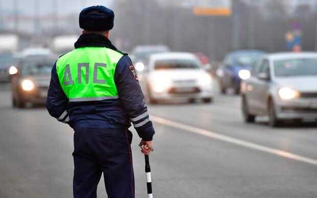 ГИБДД предложила наделить инспекторов ДПС правом отправлять на ТО прямо с дороги