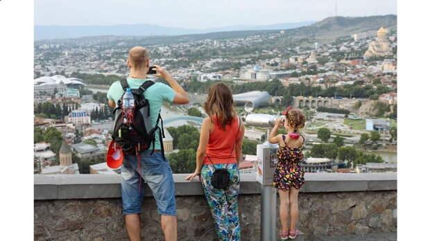 Дмитрий Медведев предупредил власти Грузии о том, что российские туристы могут выбрать для отдыха другие места