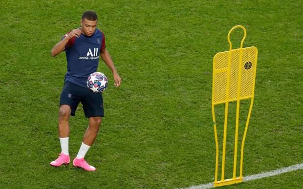 У Мбаппе остался 1 год по контракту с «ПСЖ». Агент Килиана во Франции сообщил о трансфере игрока в «Реал»