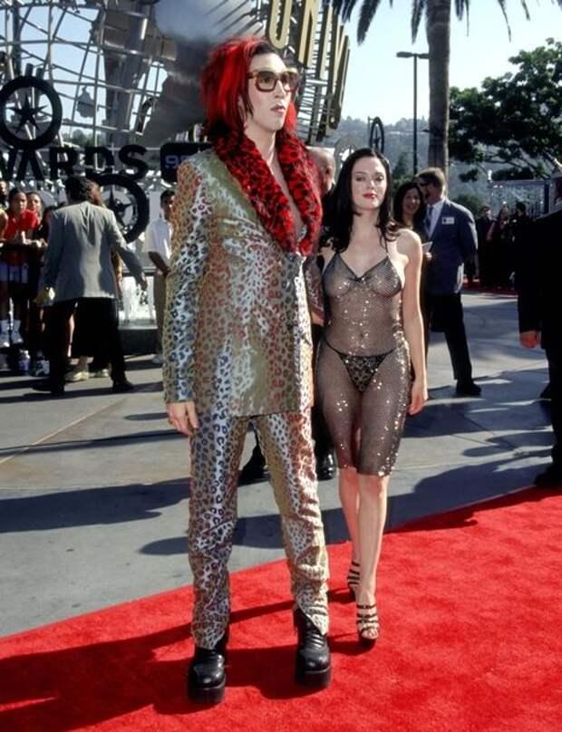 Меган Фокс в «голом» платье удивила поклонников