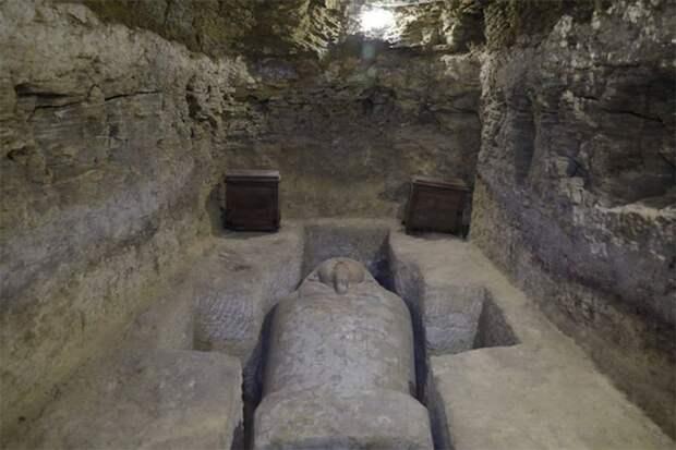 Десятки саркофагов и амулеты из чистого золота: новая находка в Египте