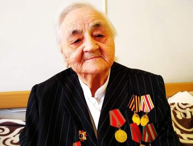 Ветерана войны из пансионата на Правобережной спас тулуп не по размеру