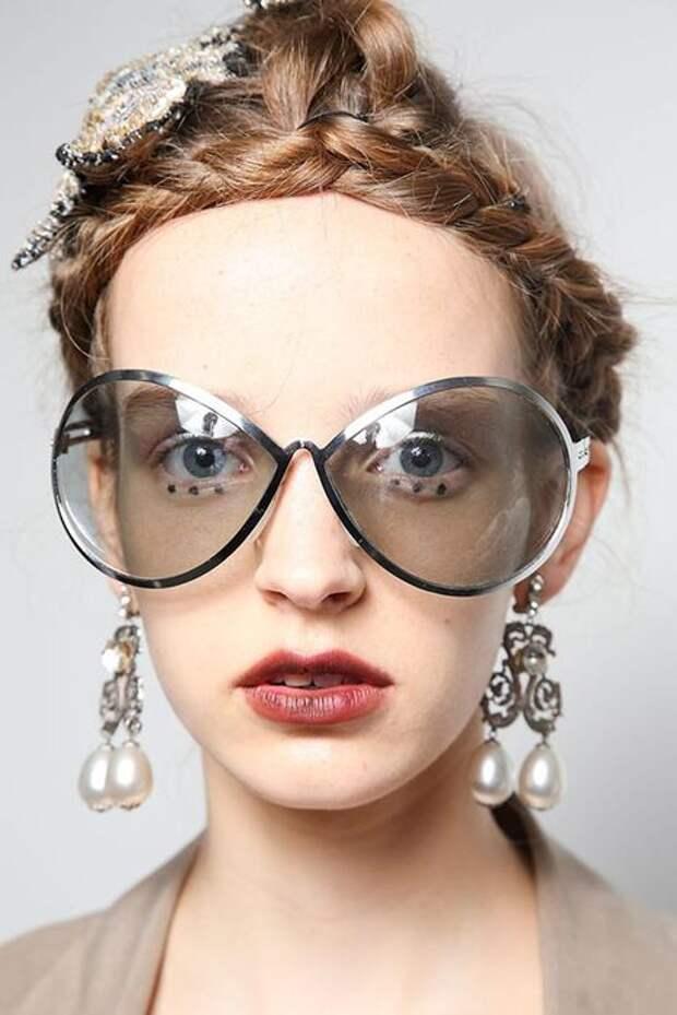 Какой будет мода на очки в 2016 году  и на какой цвет сделать особый акцент -- модные советы
