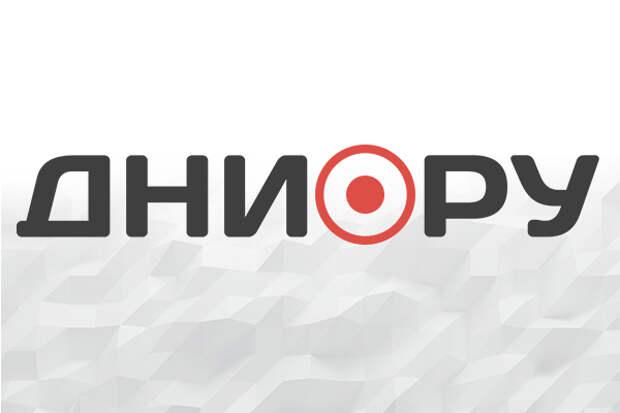 """В Москве водитель дорогого """"Порше"""" пробил насквозь стену многоэтажной парковки"""