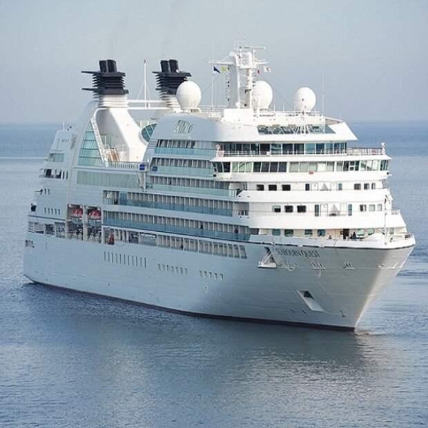 В Италии из-за коронавируса задержали круизный лайнер