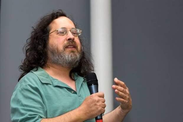 Главного популяризатора Linux продолжают бойкотировать за высказывания о трансгендерах