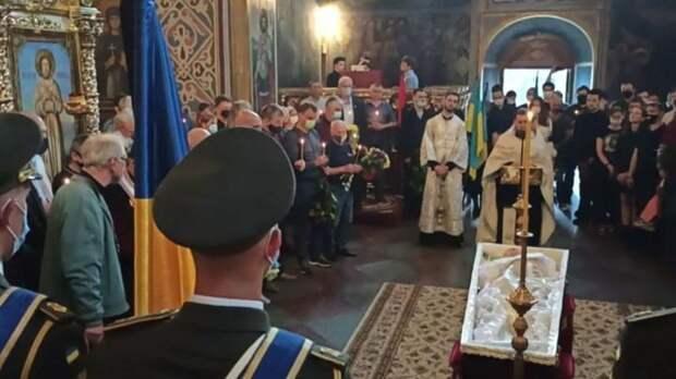 Французская делегация неожиданно обнаружила неонацизм на управляемой евреями Украине