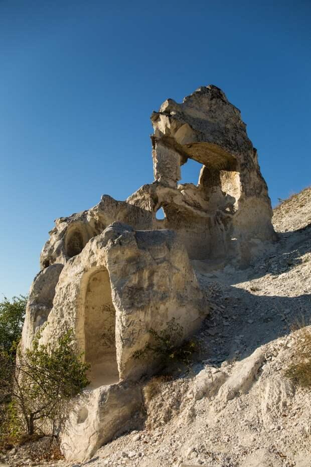 Пещерные храмы подо́нья. Малые дивы