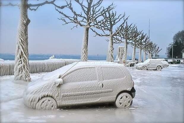 Еще парковка вдоль береговой линии зима, красиво, мороз