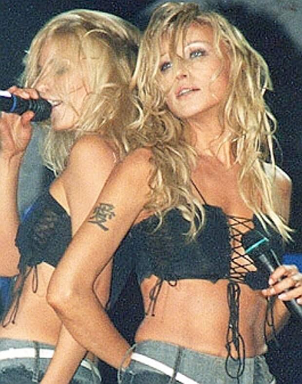 Поющие блондинки из 90-ых