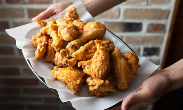 Жарим курицу в кипящем масле по рецепту Бобби Флая