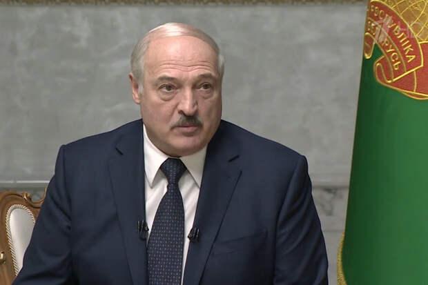 Лукашенко увидел признаки начала гражданской войны в Белоруссии