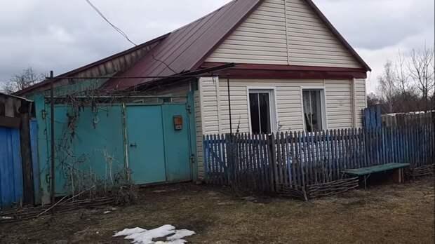 Купили дом в деревне по цене нового айфона. Покажу, как он выглядит внутри