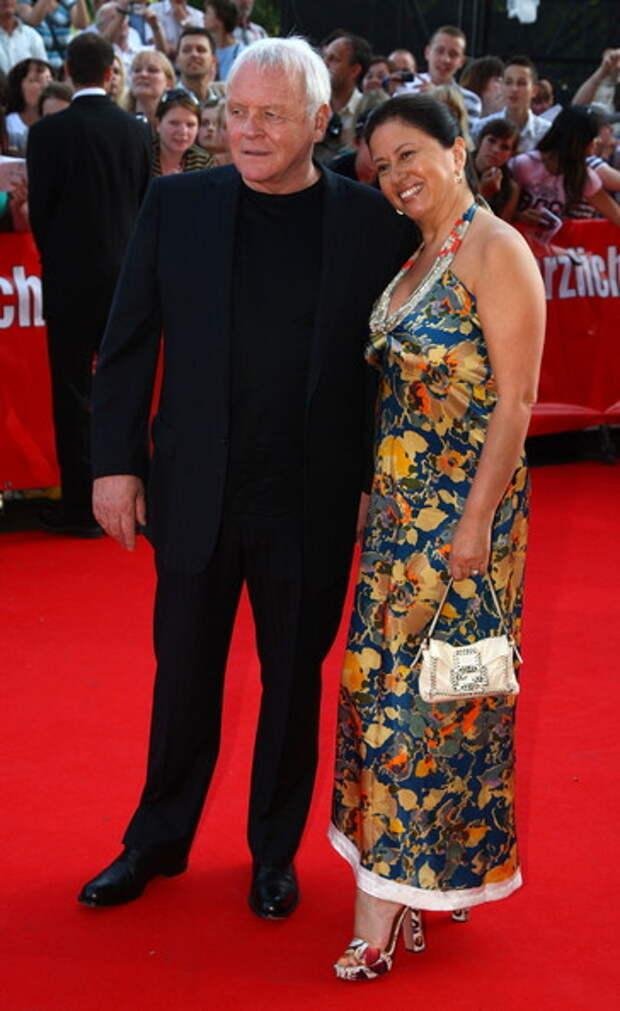 Энтони Хопкинс с третьей женой Стеллой Аррояви
