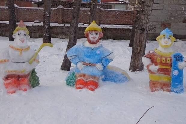 Восхищаюсь людьми, которые могут создавать сказку из снега!