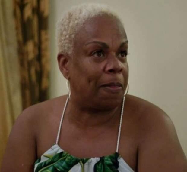Секс напляже: почему европейские пенсионерки выходят замуж замолодых гамбийцев