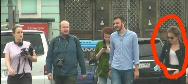 Почему ФБК скрывают сотрудницу, сопровождавшую Навального в день «отравления»?