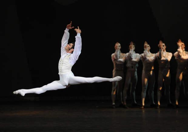 «Раньше средней школы учить балету нельзя»: Николай Цискаридзе о талантливых детях, конкурентной среде и Instagram