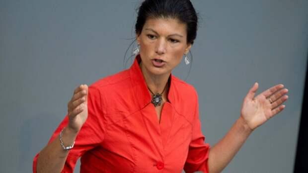 Депутат Бундестага Сара Вагенкнехт: Порошенко ведет войну против собственного народа