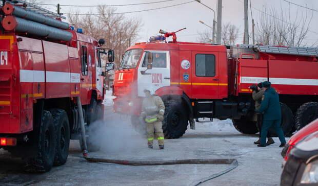 Двух детей вынес изпожара подросток вНижних Сергах