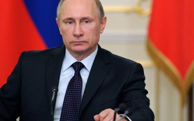 Путин двумя словами ответил на вопрос о намерении баллотироваться в 2024 году
