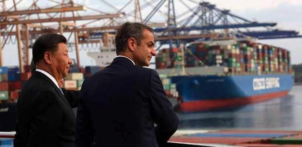 Председатель КНР Cи Цзиньпин и премьер-министр Греции К. Мицотакис в Пирее