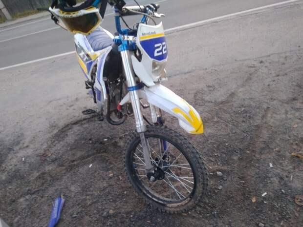 В Пудоже 13-летний мотоциклист пострадал в ДТП, которое сам же устроил