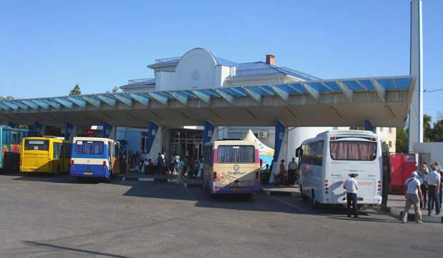 Сегодня в Крыму возобновил работу междугородний транспорт
