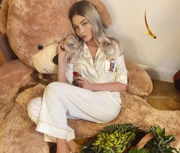 Мать Алены Шишковой опровергла домыслы пользователей о том, что Алиса живет у Симоны
