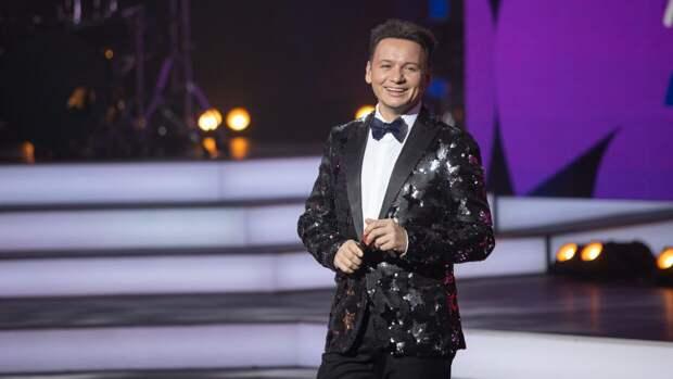 Ярмольник пошутил над стилем ведущего шоу «Точь-в-точь» Александра Олешко