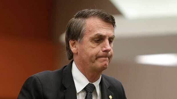 Сенат Бразилии поддержал обвинения против президента за его действия в борьбе с COVID-19