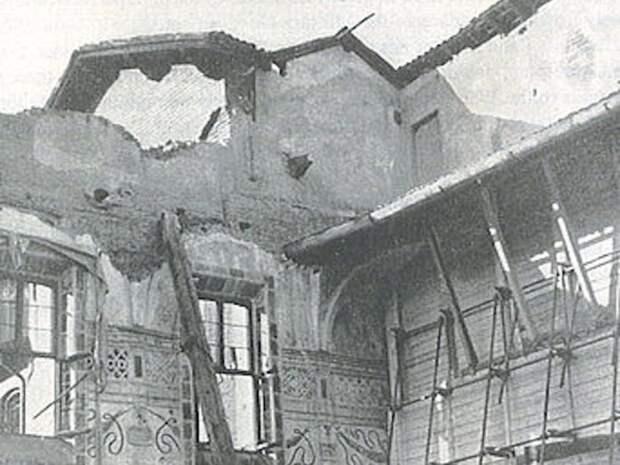 Фреска несколько раз находилась на грани уничтожения. \ Фото: insider.com.