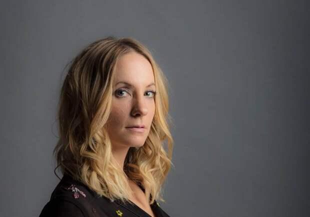 Джоанн Фроггатт станет жертвой абьюзера в триллере от создателей «Дряни»