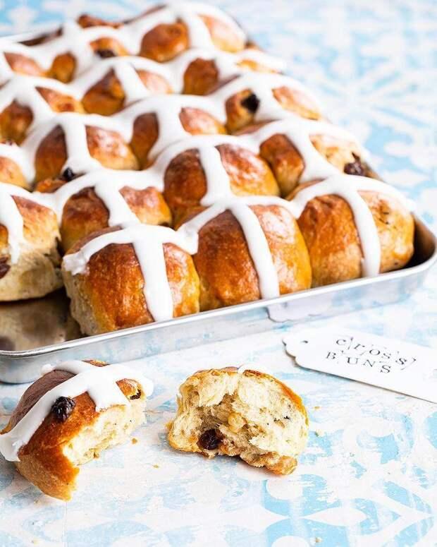 Крестовые булочки: отличный вариант пасхальной выпечки