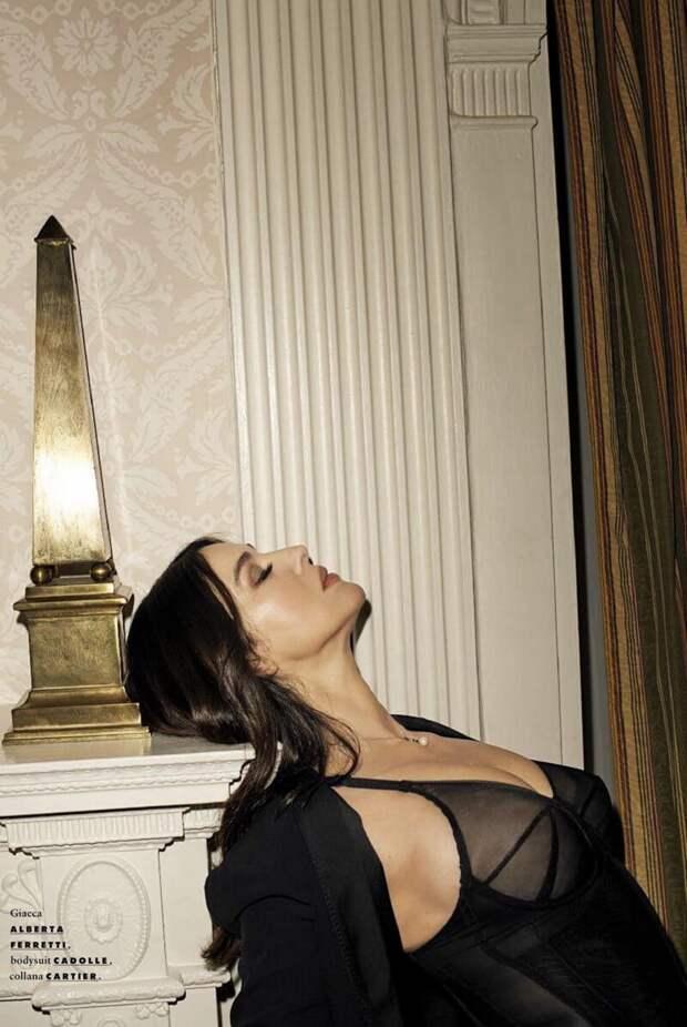 Сногсшибательная Моника Беллуччи в новой жаркой фотосессии!