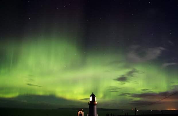 Мысл Даннет Хед, Шотландия великобритания, корональная дыра, красивые фотографии, небо, природное явление, северное сияние, шотландия