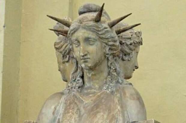 Статуя свободы — богиня тьмы