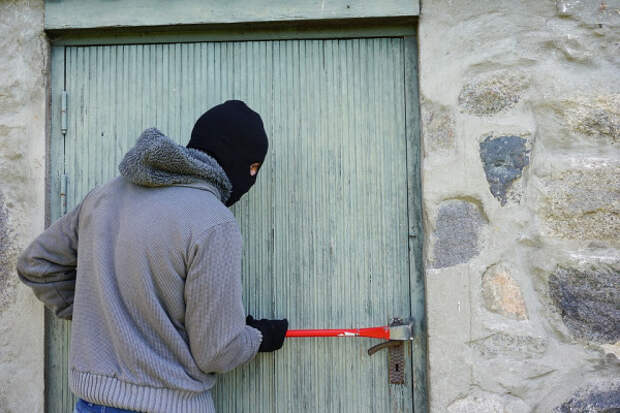 Севастопольские полицейские задержали четверых подозреваемых в краже со склада