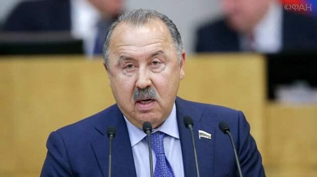 Газзаев оценил данные аналитиков о проявлениях национализма в России