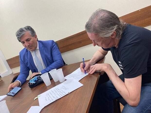 Ефремов рассказал о предложении Пашаева «купить свидетелей» для суда
