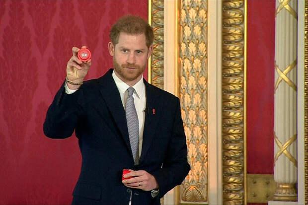Принц Гарри устроился в США на работу