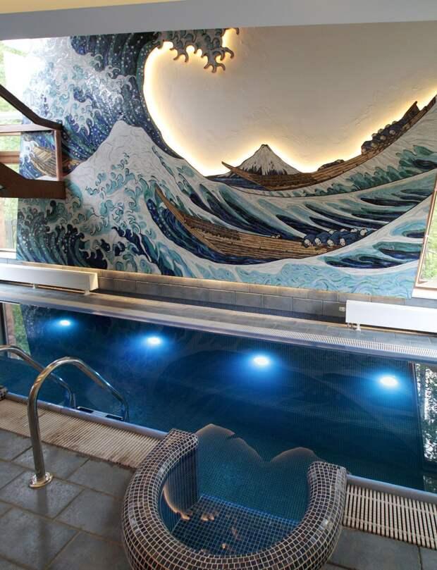 Мозаичное панно Волна Хокусая в интерьере бассейна 1