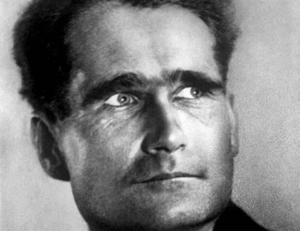 Почему Гесса не приговорили в 1946 году к смертной казни?