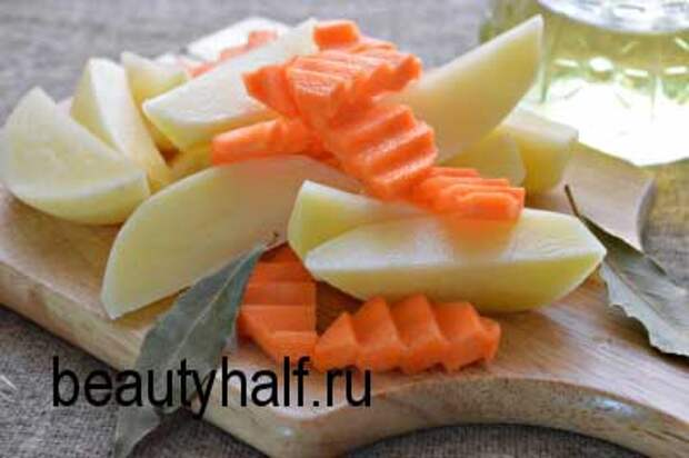 Картошка с курицей, запеченная в духовке