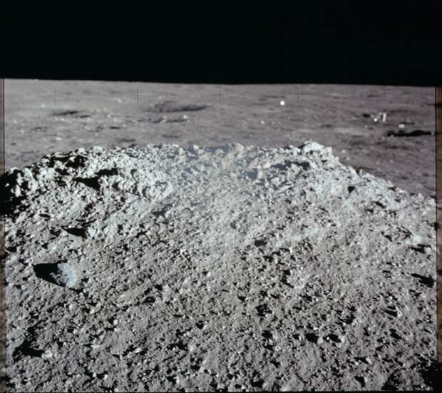 1969. «Аполлон-12». Вид лунных скал вблизи. ноябрь