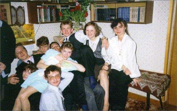 Как выглядели выпускники и выпускные вечера в 90-х?