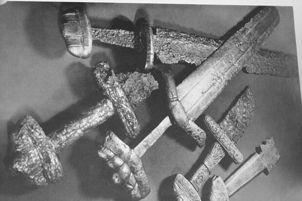 Типы каролингских мечей: тип Z по Петерсену