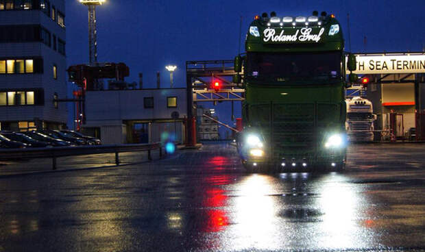 Удлинили кабину грузовика DAF на 90 см, назвали ее XXF и продали, новый владелец сделал из него пиратский корабль